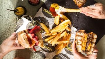 hambúrguer e batata
